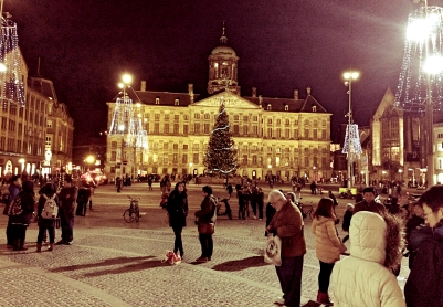 Dam Square at night