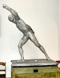 Statue in Konstakademien
