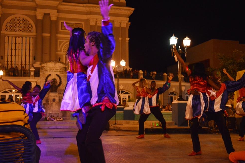 Paseo la Placita Salsa Dancers, Santiago de Cuba, Cuba.jpg