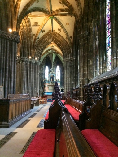 Inside St Giles Cathedral, Glasgow, Scotland 3.jpg