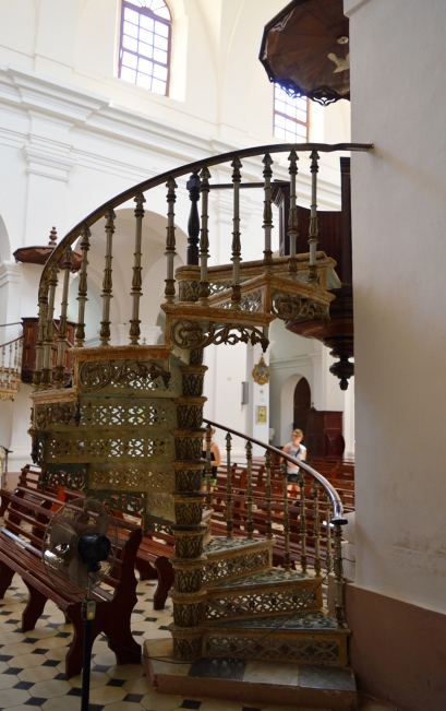 Insdie Iglesia del la Santisima Trinidad, Cuba